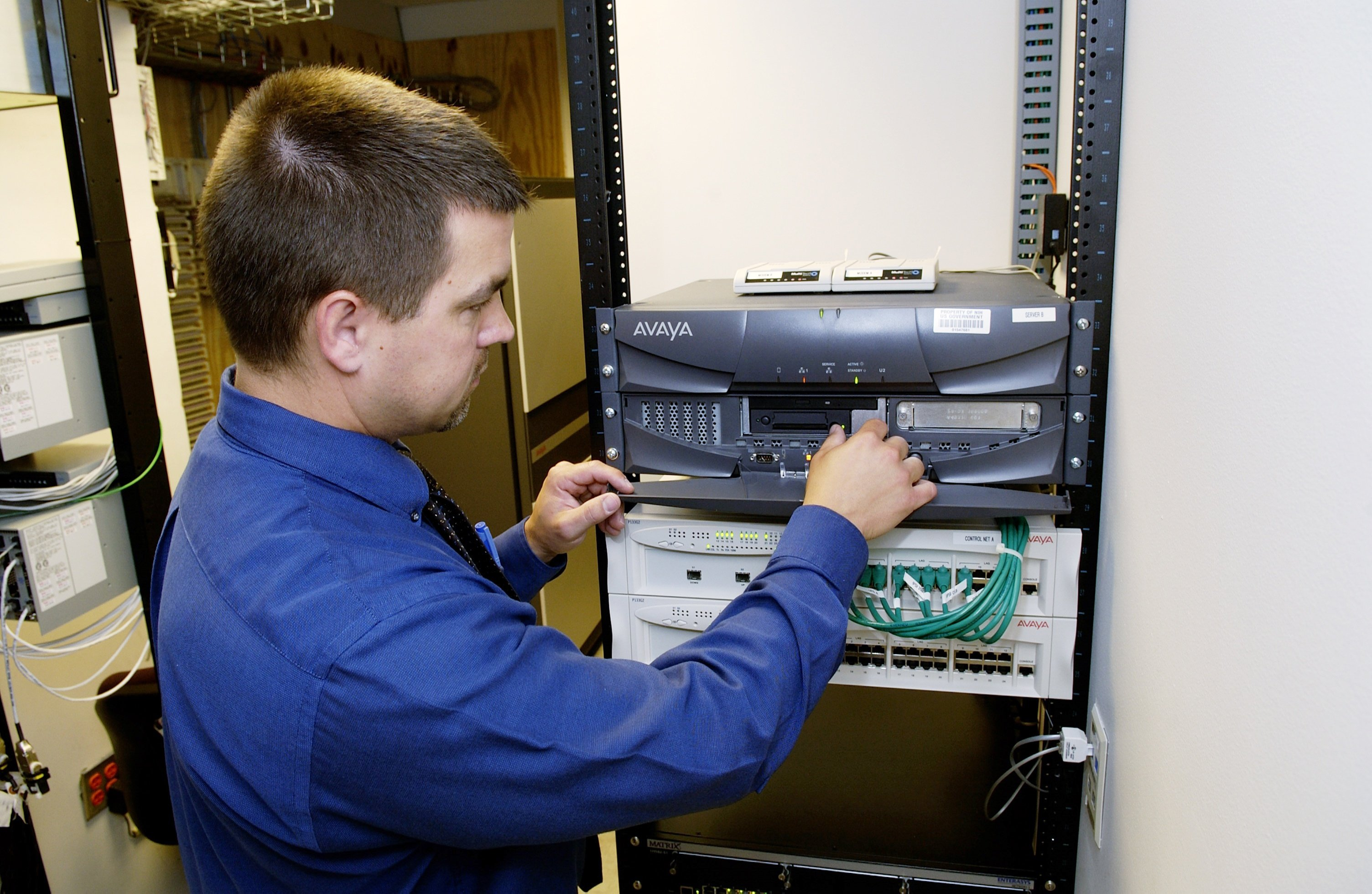 Network_server_and_technician